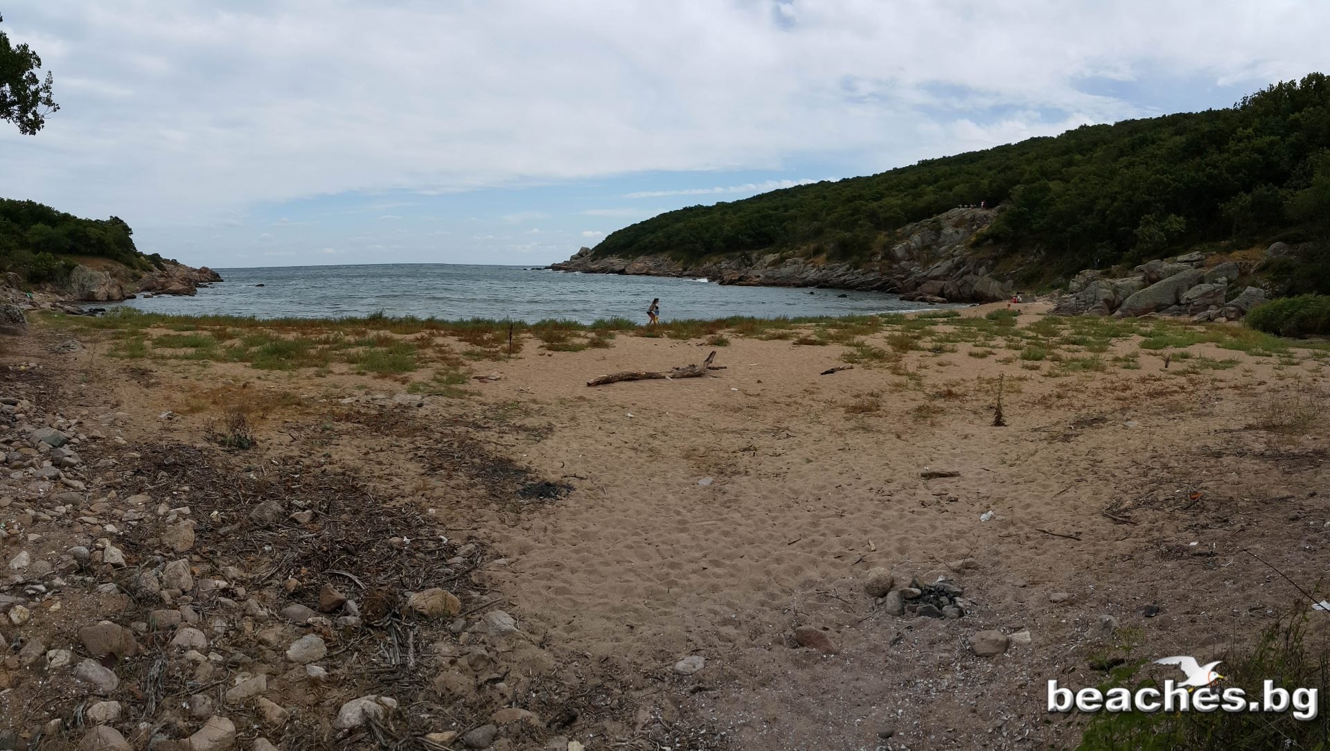 Заливът Света Параскева - в един облачен летен ден