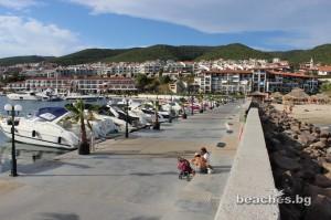 3-sain-vlas-yacht-beach-14